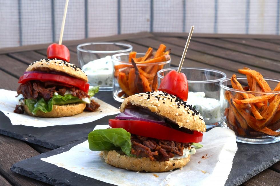 burger med pulled beef