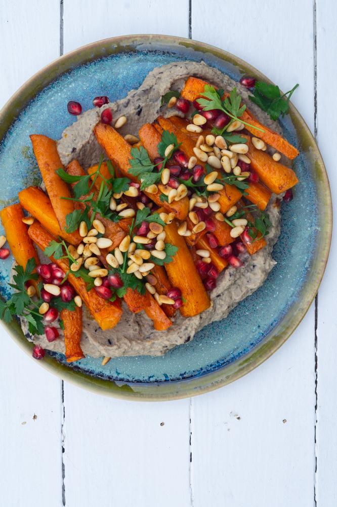 bagte gulerødder på baba ganoush