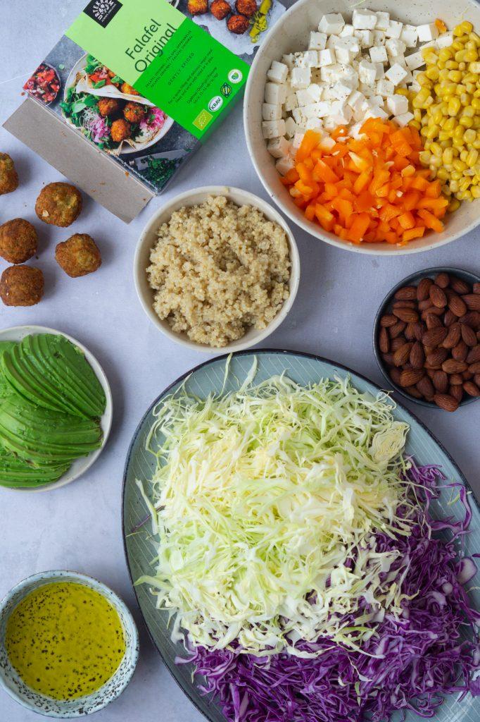 salat med falafler