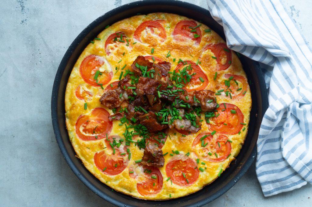 æggekage med tomat