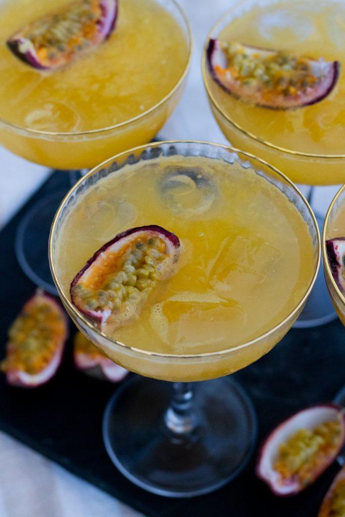 drink med passionsfrugt