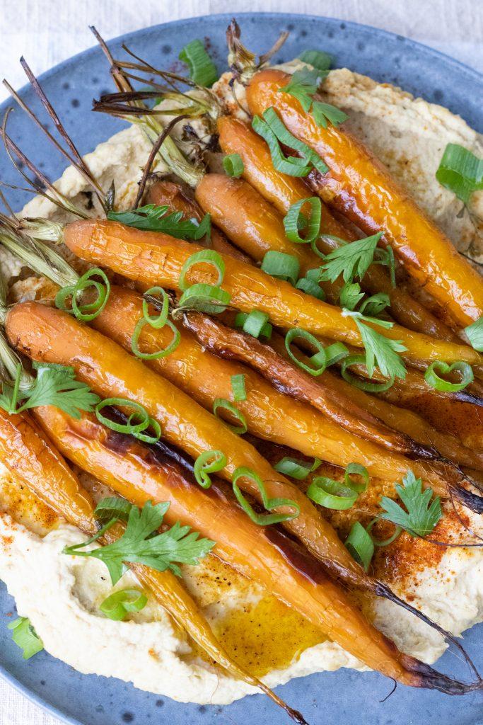 hummus med bagte gulerødder