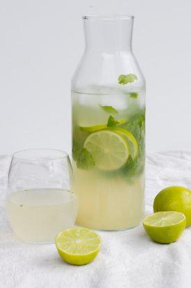 lemonade med lemon og ingefær
